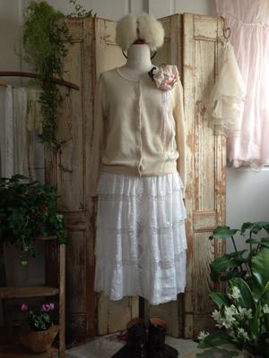 ヴィンテージ・綿ローンスカート冬コーディネート