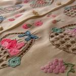 刺繍サンプル・フルーツ刺繍ブラウス