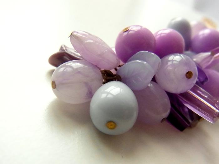 紫の葡萄ネックレス