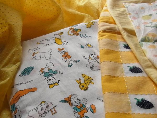 ヴィンテージ黄色ファブリック