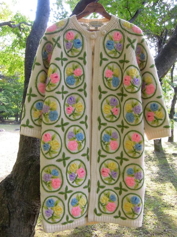 アンティークお花刺繍ニットコート