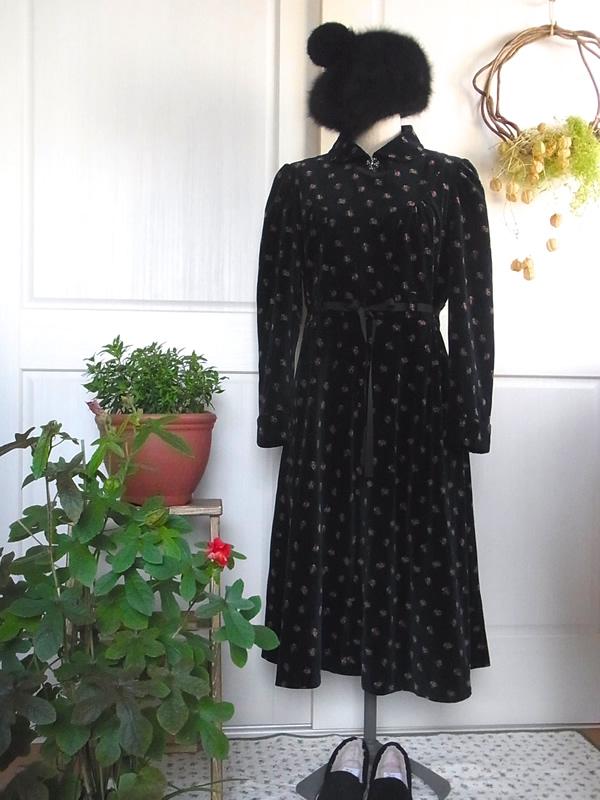アンティーク衿付き別珍ワンピースコーディネート
