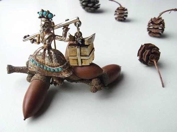 アンティーク妖精シルバーブローチ