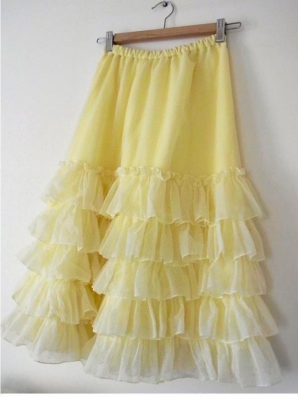 ヴィンテージドレスからリメイクしてレモンイエローのギャザースカート