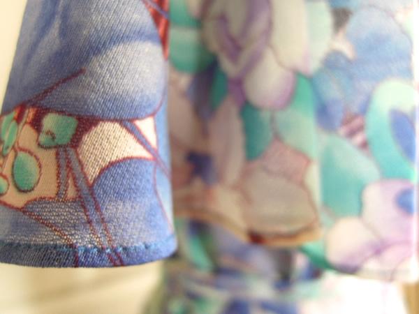 アンティーク花柄ワンピースの袖