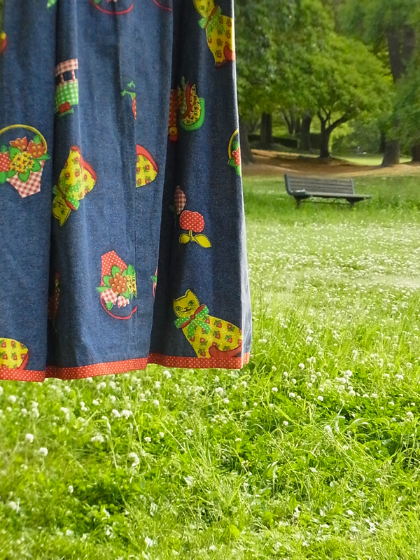 ジャンパースカートの屋外写真