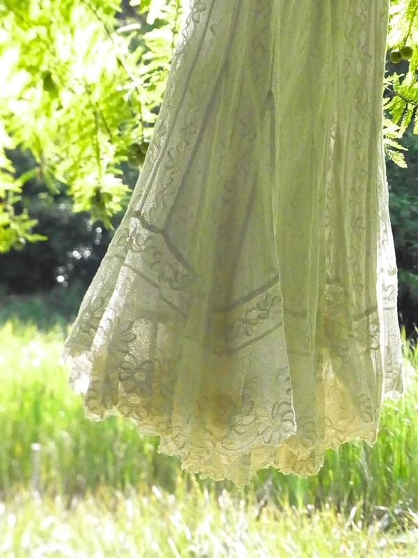 ヴィクトリアンドレスからリメイクスカート