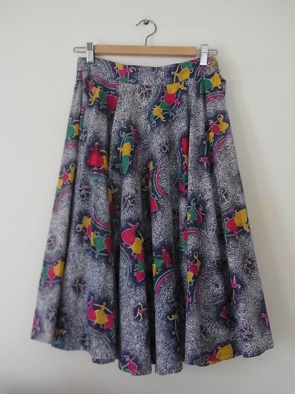 バレリーナ柄スカート