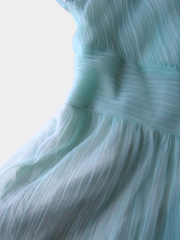 リメイク前のドレスのウエスト