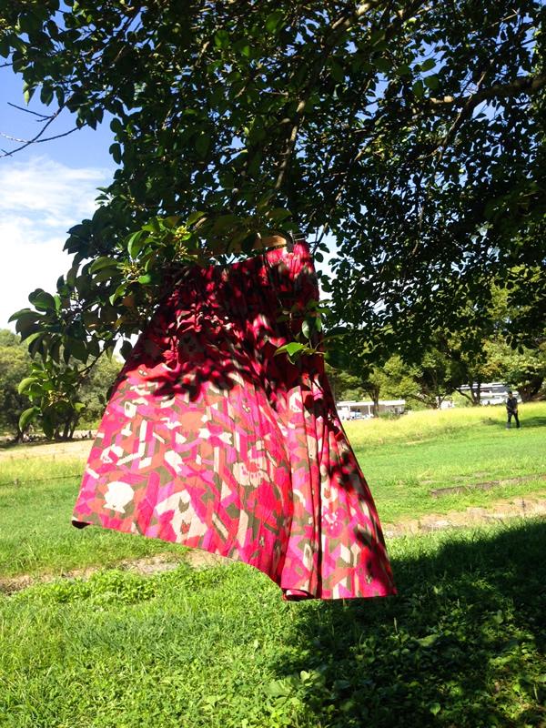 風に舞うスカート