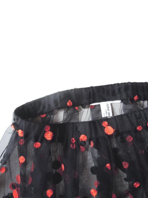 チュール素材のスカート