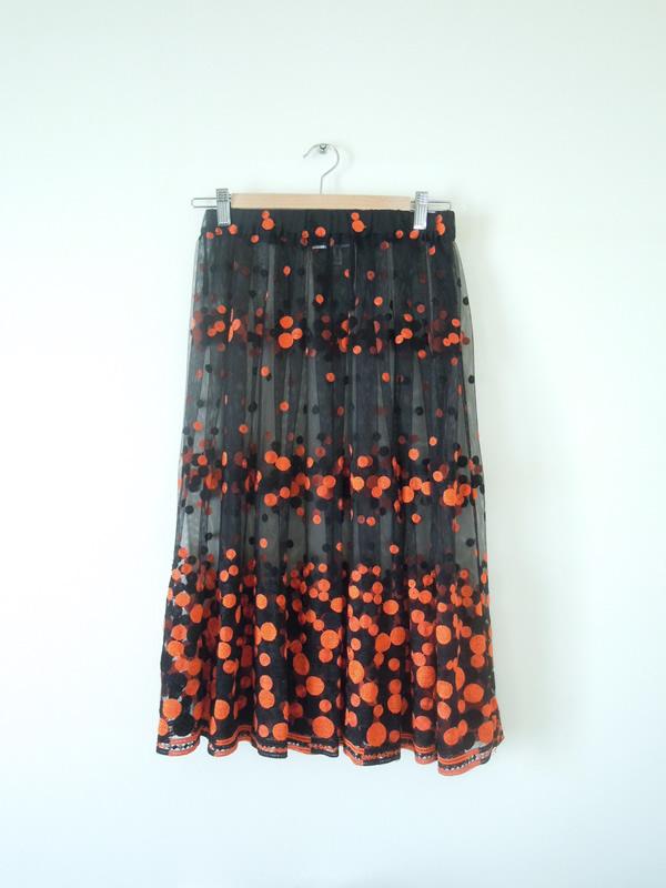 ドット刺繍入のチュールスカート