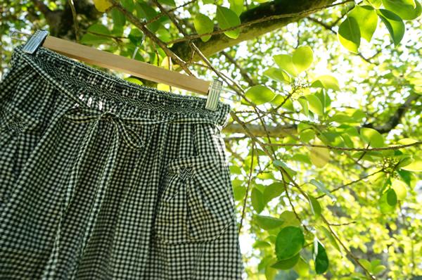 スモッキング刺繍のスカート