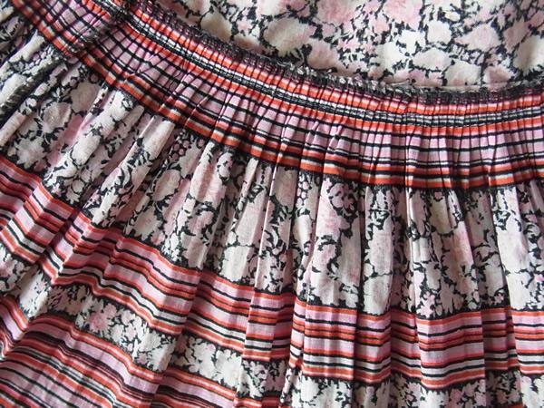 リメイクスカートの切り替えを裏から撮った写真