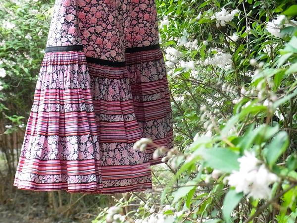 リメイク完了スカートを屋外で撮影