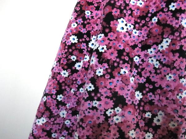 別珍素材・ピンクの小花柄