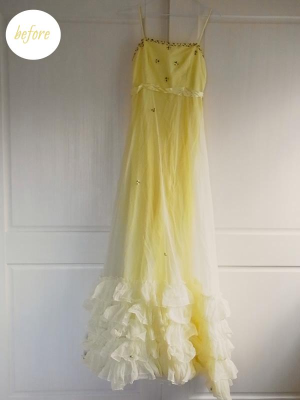 壁掛けリメイク前の黄色ドレス