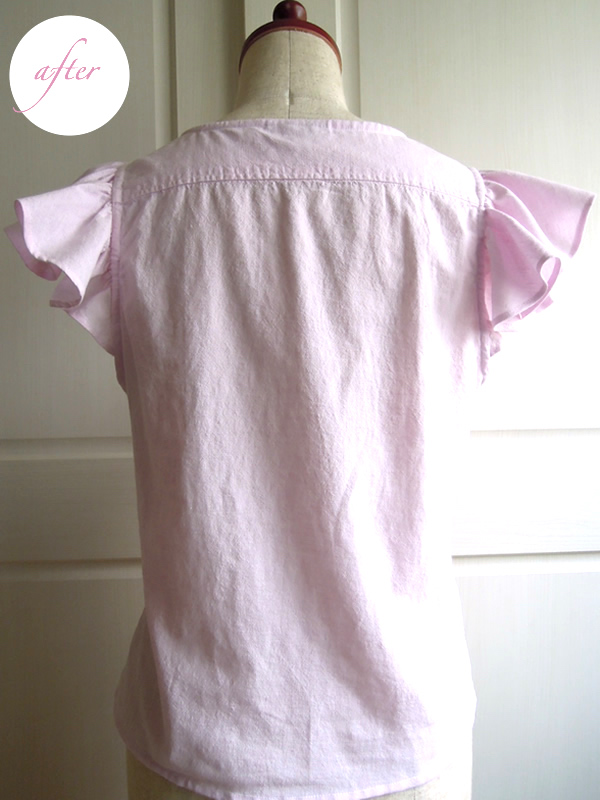 メンズシャツからリメイクしたフリル袖ブラウスのバックスタイル