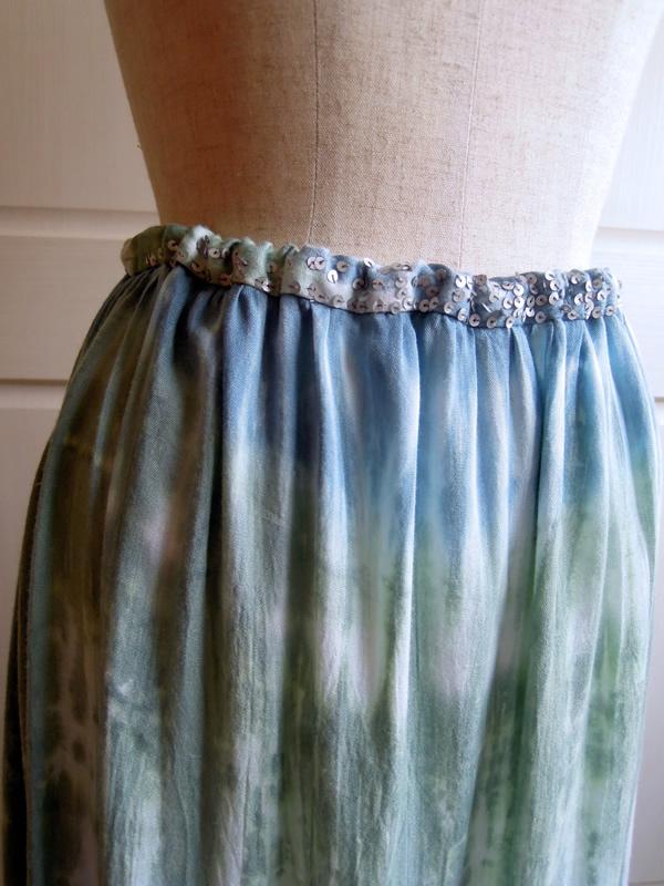 キャミワンピースからリメイクしたギャザースカート