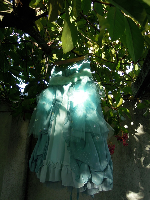 日陰で撮影リメイクスカート