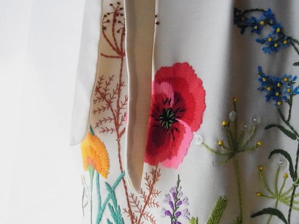 フランス刺繍ラップスカートリボン付き