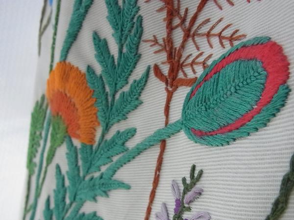 フランス刺繍スカート赤とオレンジ花