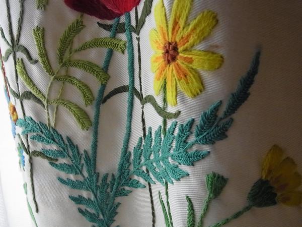 黄色いコスモス刺繍スカート