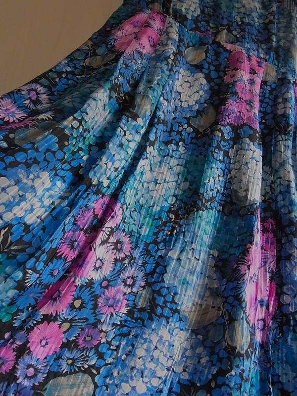 紫陽花ワンピースのスカート全体