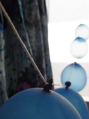 風船とアンティークワンピース