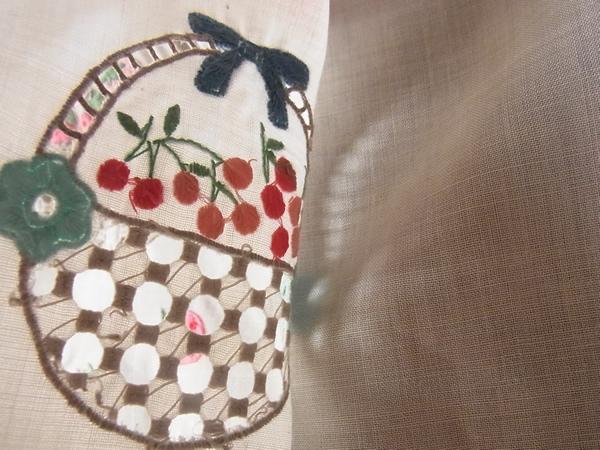 刺繍の裏から見た写真