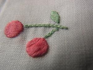 さくらんぼ刺繍
