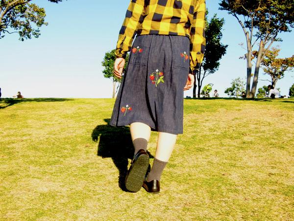 いちご刺繍スカート着用写真