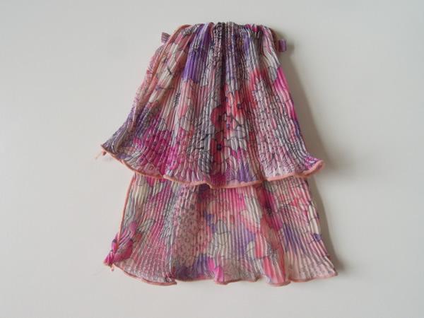水彩画プリントワンピースの飾り衿