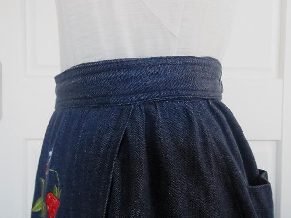 苺刺繍スカート左ウエスト