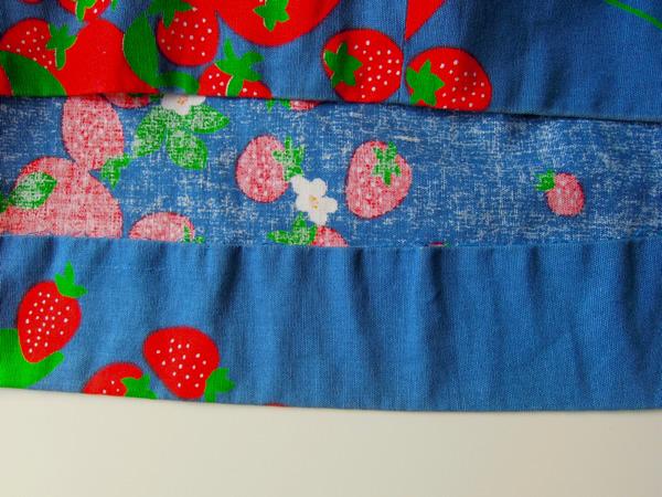苺柄ワンピースのスカート裾始末