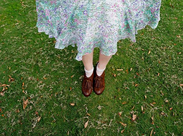 アンティークワンピースの裾