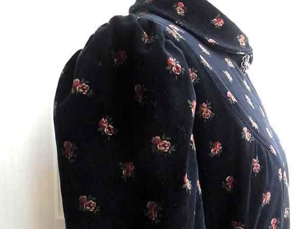 アンティーク・衿付き別珍ワンピースのの袖
