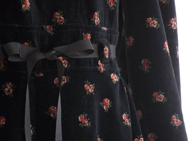 アンティーク・衿付き別珍ワンピースのウエスト