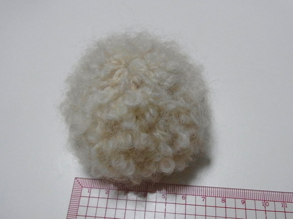 余り糸で編むひつじのボディ