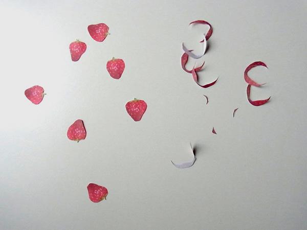 苺の柄の紙