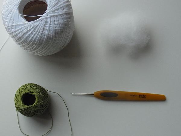 レース糸とかぎ針