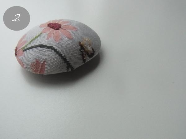 リメイク・ピンクの花柄手作りブローチ
